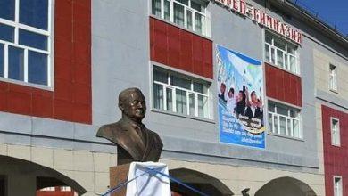 Photo of Аралда Ұзақбай Қарамановтың мүсінін ашу рәсімі болды