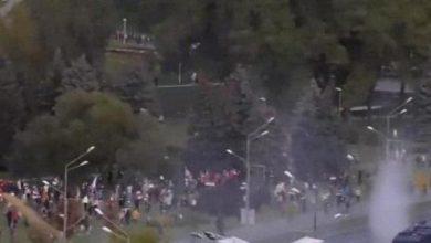 Photo of Минскіде бүгін де митинг. Жиналғандарға су шашылып жатыр