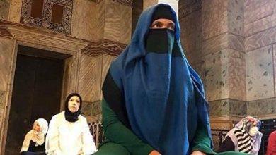 Photo of Надежда Савченко түрік мешітінде Аллаға құлшылық етті