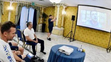 Photo of Зеленский Украина құрамасына телефон шалып, сәттілік тіледі